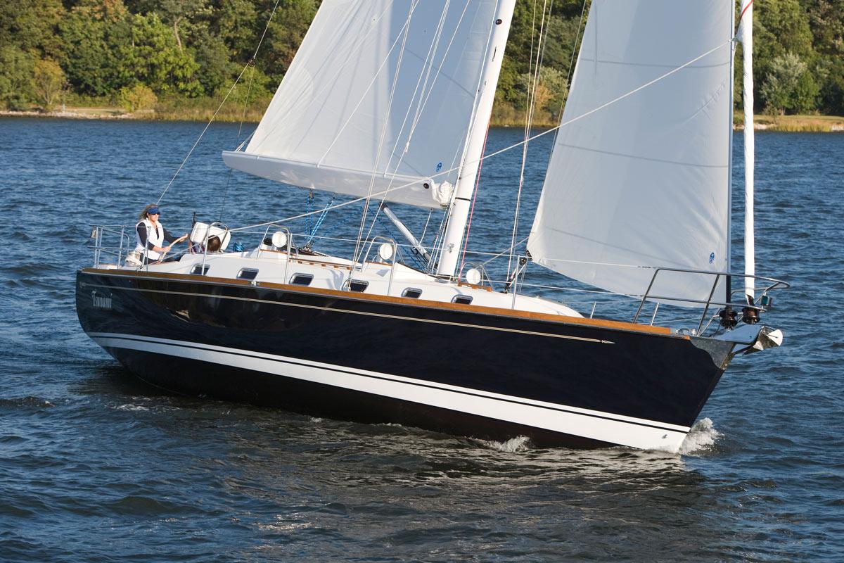 Tartan 4300 Sailboat | Tartan Yachts